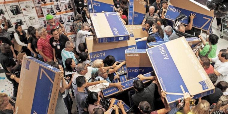 Quelle: http://www.waz-online.de/Nachrichten/Medien/Netzwelt/Black-Friday-und-Cyber-Monday-50-Prozent-der-Deals-zu-teuerr