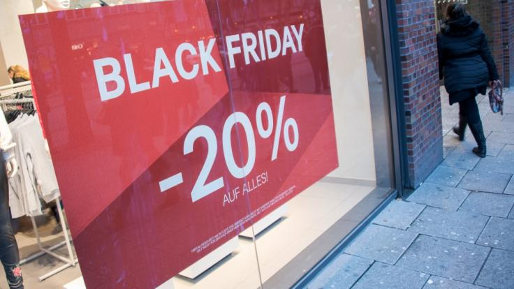 Quelle: http://www.news.de/wirtschaft/855731296/black-friday-am-23-11-2018-deutschland-angebote-fake-deals-verbraucherzentrale-warnt-vor-schnaeppchen-bei-amazon-media-markt/1/