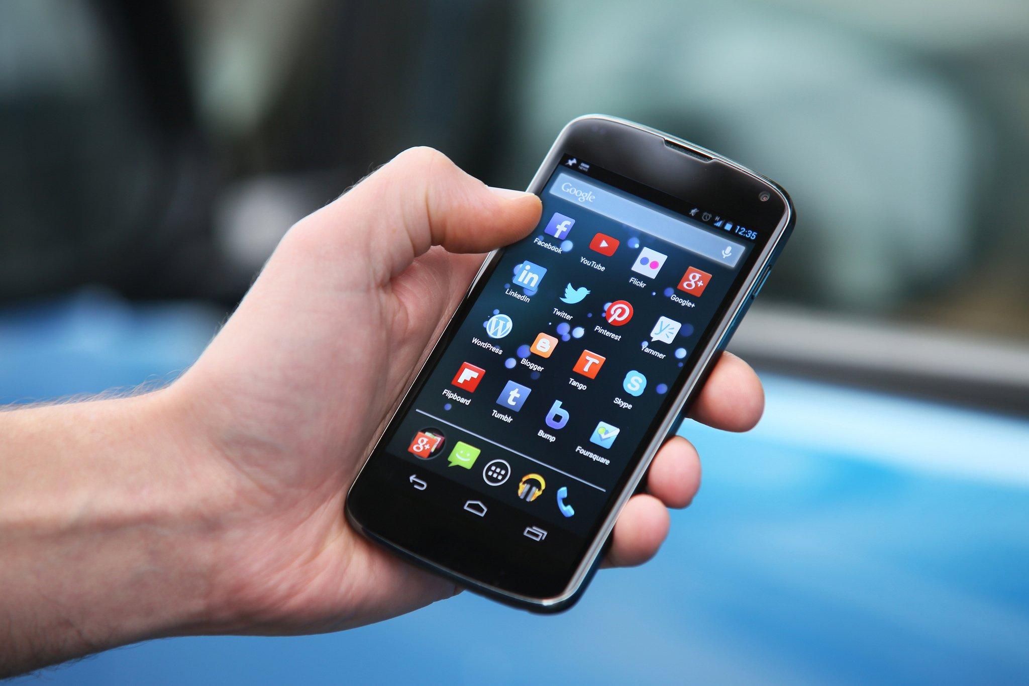 Quelle: https://www.businessinsider.de/diese-x-apps-sollten-android-user-lieber-loeschen-sie-sind-nutzlos-und-sogar-gefaehrlich-2018-12?IR=T