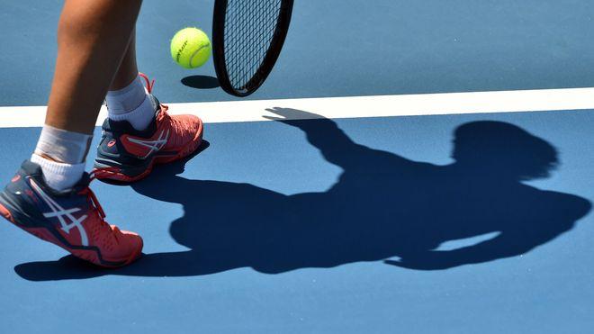 Quelle:    https://www.sport1.de/tennis/2019/01/tennis-83-festnahmen-bei-razzia-wegen-wettbetrug
