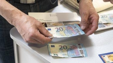 Quelle:   https://www.mdr.de/sachsen-anhalt/falschgeld-im-umlauf-blueten-in-sachsen-anhalt-100.html